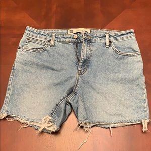 Women's GAP cut off shorts